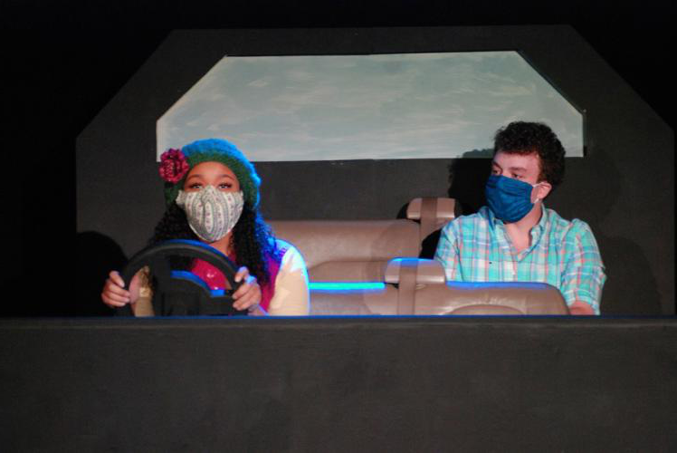 Frisco junior Benjamin McElroy as Mike, and Glenn Heights freshman Kennedy 约旦 as his driver, Sue.